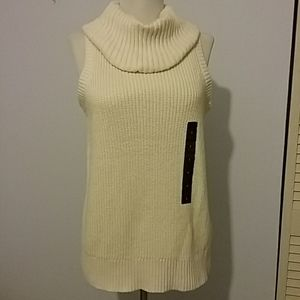 Turtle neck sweater by BANANA REPUBLIC